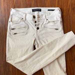 Bullhead Cream Low Rise Jeans